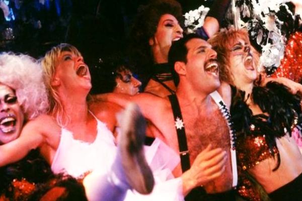 Всемирный день вечеринки. Короли вечеринок - от Клеопатры до Фредди Меркьюри.
