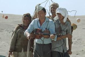 Кадр из фильма Георгия Данелии «Кин-дза-дза!»