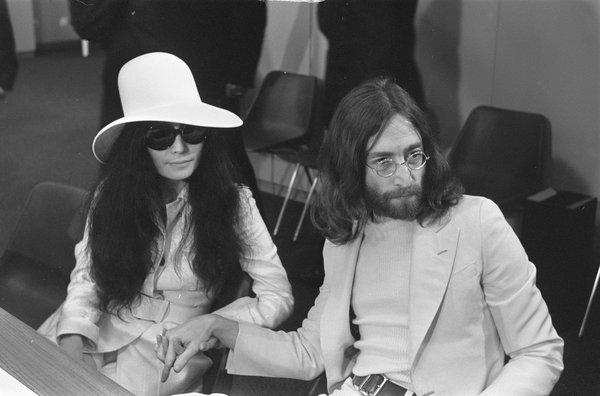 Джон Леннон: биография, творчество, личная жизнь.