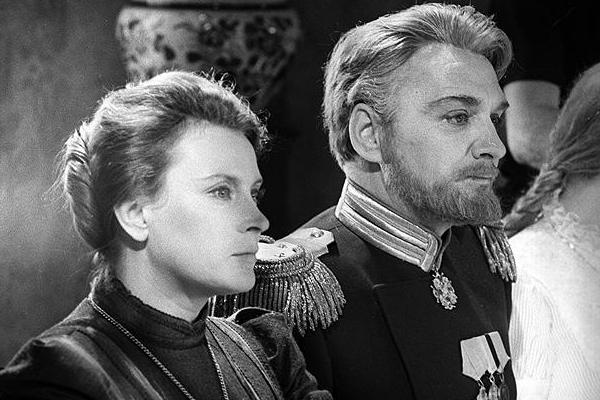 Фильмография и биография Любови Соколовой: блокада Ленинграда, измены Данелии, смерть сына.