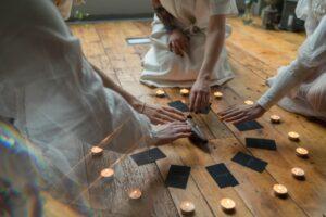 Таро-прогноз на сентябрь: общая картина, любовь, советы, деньги и работа